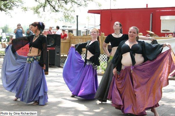 Chanson de Vie Troupe at League City Oak Tree Festival
